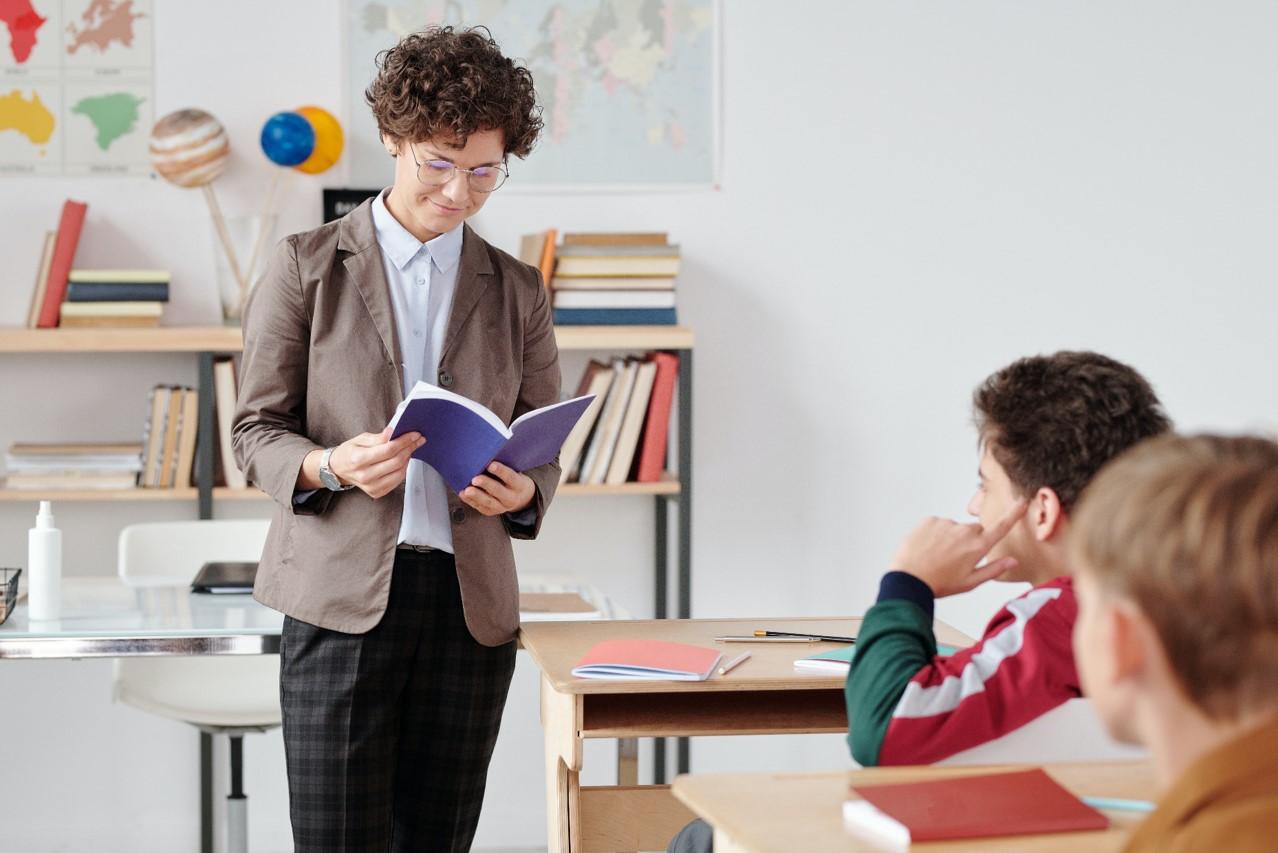Guru-honorer-punya-kesempatan-ikuti-pppk-2021